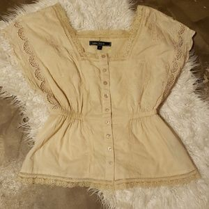 Ivory Lace short sleeve blouse Small
